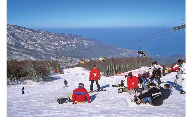 Ανοιχτό το Σαββατοκύριακο με φρέσκο χιόνι το Χιονοδρομικό Κέντρο Πηλίου