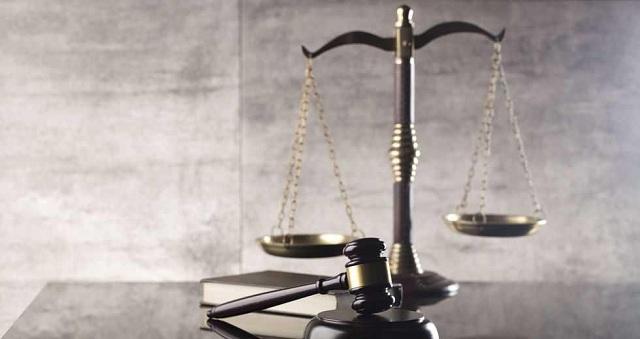 Κακουργήματα απειλούνται με αστείες ποινές