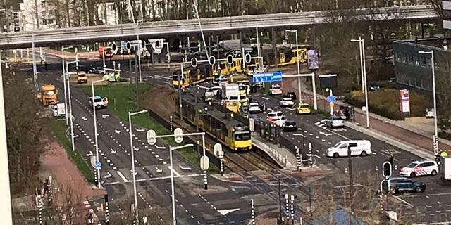 Άνδρας άνοιξε πυρ σε τραμ στην Ουτρέχτη: Πολλοί τραυματίες
