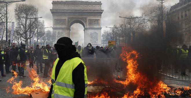 Γαλλία: Απαγόρευση διαδηλώσεων και καρατόμηση του αρχηγού της αστυνομίας