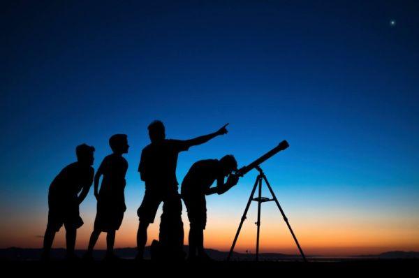Φυλλάδιο με έθιμα που έχουν σχέση με αστρονομικά φαινόμενα