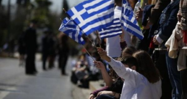 2.100 μαθητές και πρόσκοποι στην παρέλαση