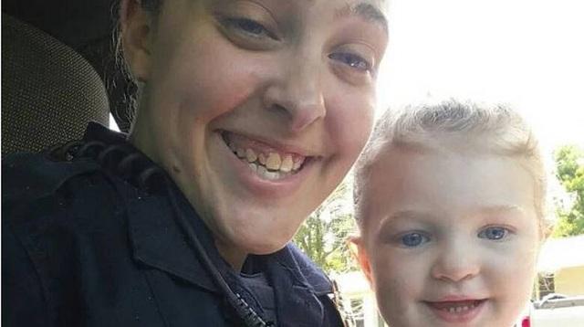 Ένοχη για ανθρωποκτονία αστυνομικός που άφησε την κόρη της να πεθάνει από τη ζέστη