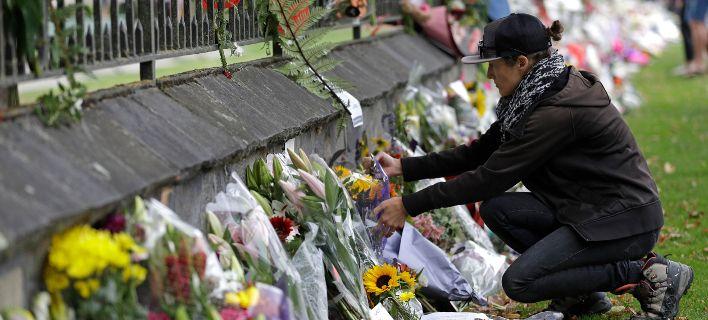 Νέα Ζηλανδία: Απαγορεύονται οι πωλήσεις των τουφεκιών εφόδου και των ημιαυτόματων όπλων