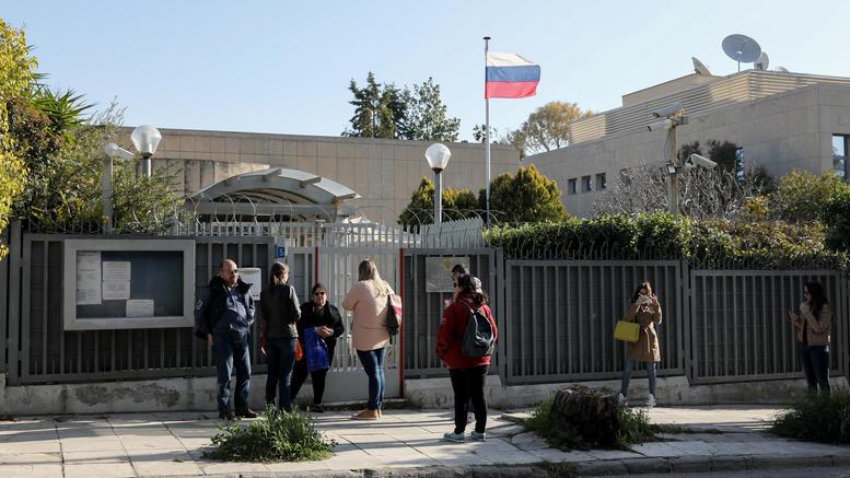 Εκρηξη με χειροβομβίδα στο Ρωσικό Προξενείο στο Χαλάνδρι