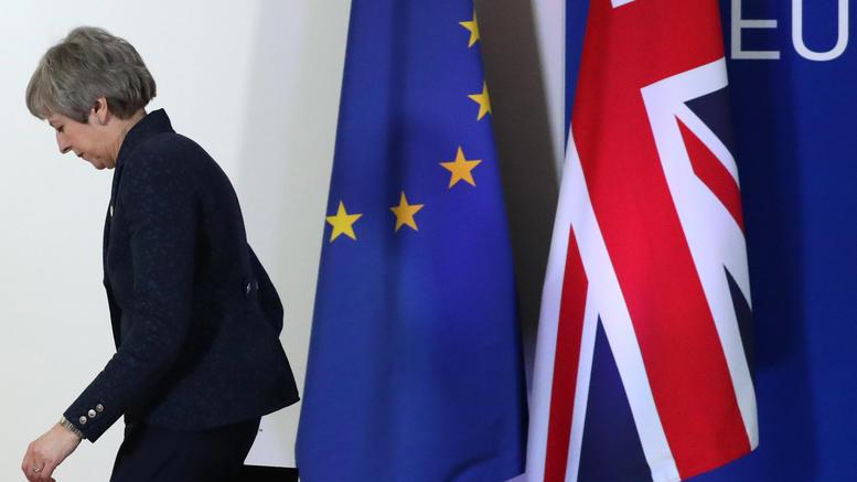 Brexit: Οι δύο εναλλακτικές και ο γολγοθάς της Μέι
