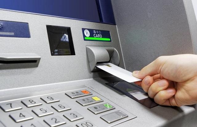 Συνελήφθη αλλοδαπός που υπέκλεπτε τραπεζικές κάρτες και έφτιαχνε «κλώνους»