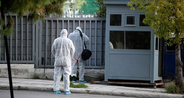 Με 2.500 μεταλλικά σφαιρίδια η χειροβομβίδα στο Ρωσικό Προξενείο