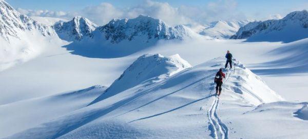 Αγνοούνται τέσσερις σκιέρ στις ελβετικές Αλπεις