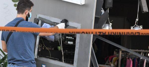 Εκρηξη σε ΑΤΜ στα Μέγαρα - Δεν κατάφεραν να πάρουν τα χρήματα