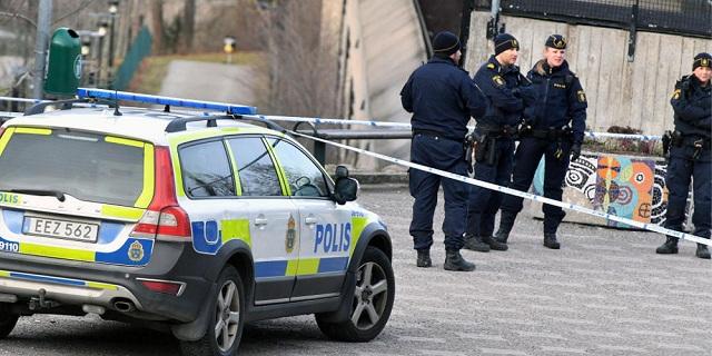 Έκρηξη με τραυματίες και κατεστραμμένα αυτοκίνητα στην Στοκχόλμη