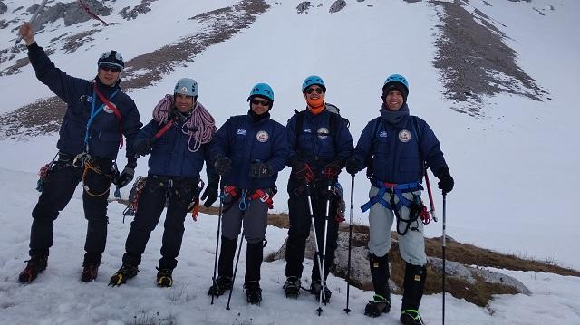 Διασώστες από την Μαγνησία αναρριχήθηκαν στην πιο ψηλή κορυφή