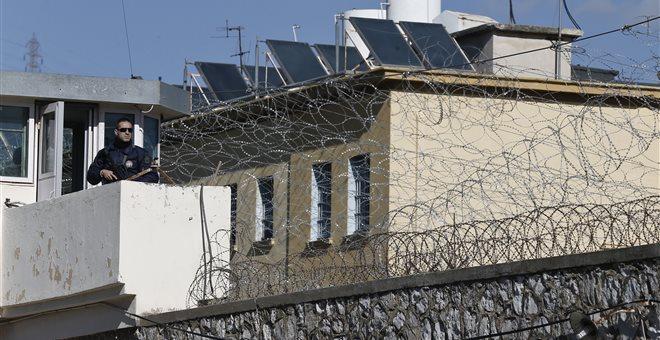 Συνελήφθησαν δύο δικηγόροι για την μαφία των φυλακών