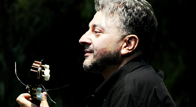 Ο Βολιώτης σολίστ Αλέξανδρος Παπαρίζος σε Φεστιβάλ Κιθάρας