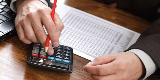 Πώς θα λάβουν επιστροφή φόρου τα ζευγάρια με κοινή φορολογική δήλωση