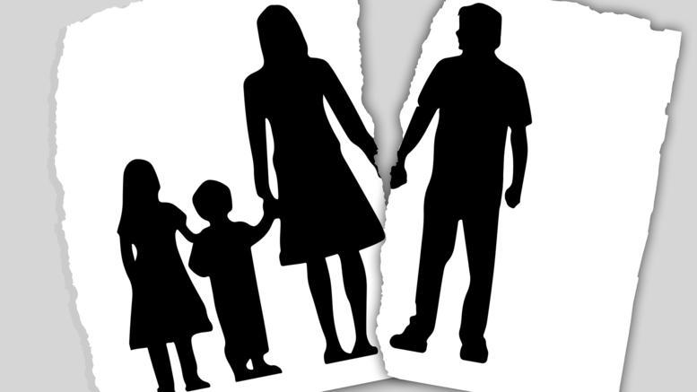 Υποχρεωτικά μαθήματα διαζυγίου για γονείς που θέλουν να χωρίσουν