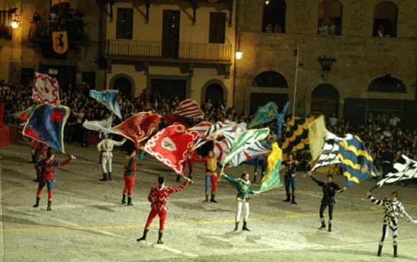 Ιταλοί σημαιοφόροι στον Βόλο