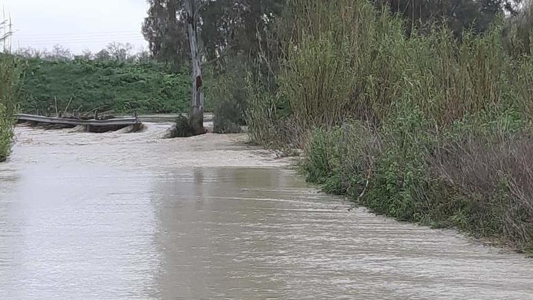 Πλημμύρες και κατολισθήσεις στην Κρήτη, παρασύρθηκαν ΙΧ