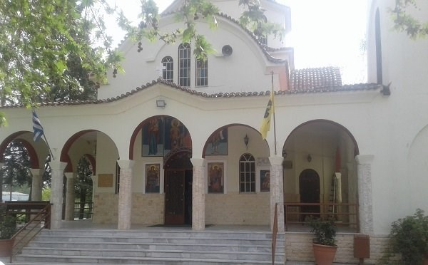 Διέρρηξαν την εκκλησία στον Αμπελώνα Λάρισας