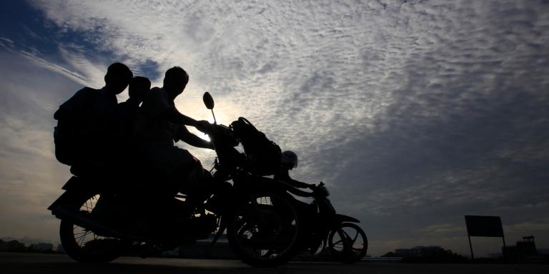 Πέταξε αντικείμενο σε μοτοσικλετιστή στον δρόμο και κατηγορείται για φόνο