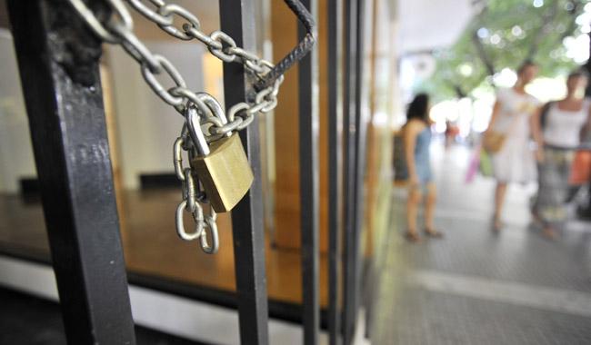 Μεταβίβαση επιχειρήσεων: Τα 5 «κλειδιά» που διασφαλίζουν δεδουλευµένα και αποζηµιώσεις