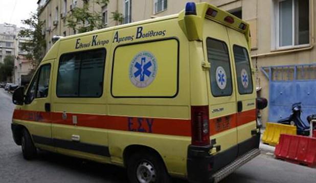 Επαθε ανακοπή σε καφετέρια της Λάρισας και κατέληξε στο ασθενοφόρο