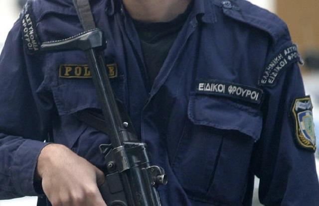 Συνελήφθη ειδικός φρουρός της ΕΛ.ΑΣ. που έκρυβε ναρκωτικά στη ρεζέρβα Ι.Χ.