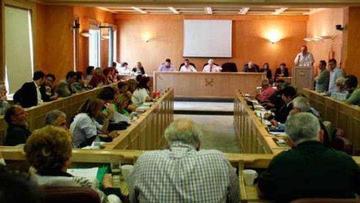 Ανεπιθύμητη η Χ.Α. στην Αθήνα με ψήφισμα του Δημοτικού Συμβουλίου
