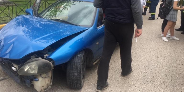 Οδηγός χωρίς δίπλωμα παρέσυρε και τραυμάτισε μαθήτριες