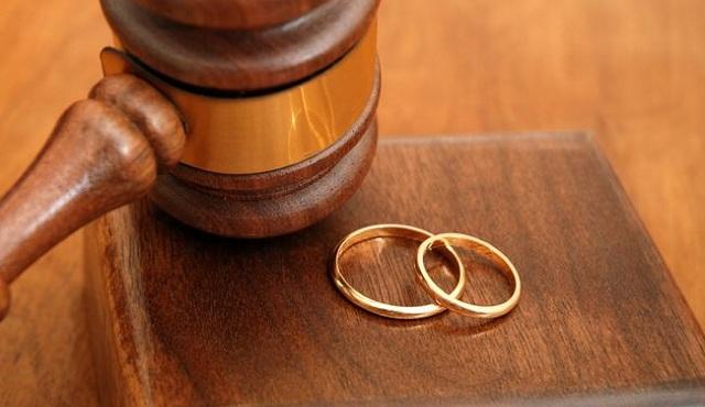 «Έκρηξη» στα διαζύγια: Γιγαντιαία αύξηση το 2017 έναντι του 2016