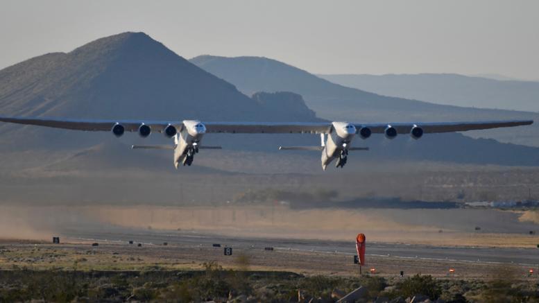 Stratolaunch,το μεγαλύτερο αεροπλανο στον κόσμο, στην πρώτη του πτήση