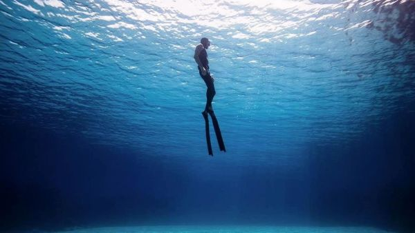 Θησαυροί στο βυθό της θάλασσας ~ Εντυπώσεις από την κατάδυση στην Περιστέρα