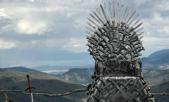 Ο Σιδερένιος Θρόνος του Game of Thrones στην… Παύλιανη στη Φθιώτιδα [εικόνες]