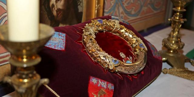 Με ανθρώπινη αλυσίδα έσωσαν τους θησαυρούς της Παναγίας των Παρισίων [εικόνες]