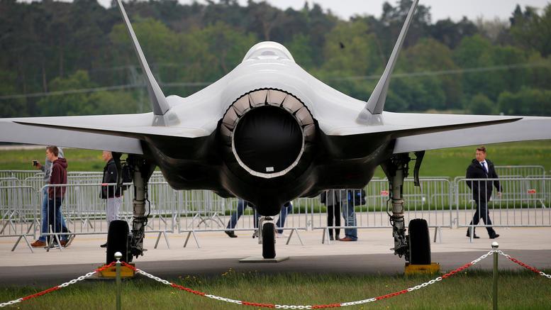 Βερολίνο: Έκλεισε αεροδρόμιο- Έκτακτη προσγείωση πολεμικού αεροσκάφους