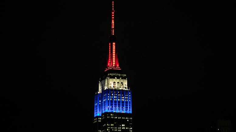 Στα χρώματα της Γαλλίας το Εmpire State Building [εικόνες]
