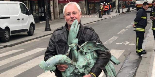 Βρέθηκε ο διάσημος κόκορας του κωδωνοστάσιου της Παναγίας των Παρισίων [εικόνα]