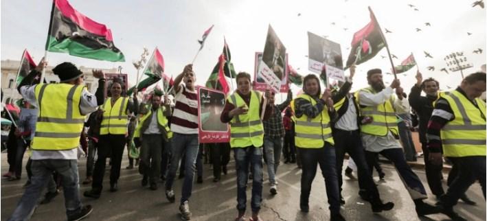 Λιβύη: Διαδήλωση «κίτρινων γιλέκων» ενάντια στον Χαλίφα Χάφταρ και τη Γαλλία