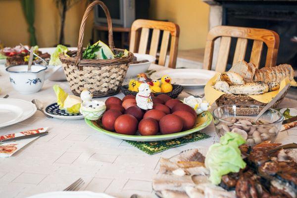 Φθηνότερο φέτος το πασχαλινό τραπέζι