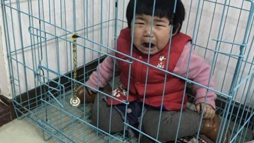 Πατέρας κρατάει την κορούλα του στο κλουβί του σκύλου για να εκδικηθεί την πρώην γυναίκα του