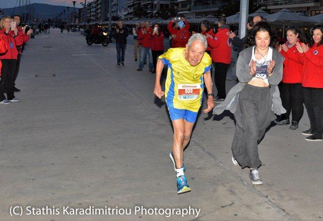 83χρονος τερμάτισε τον Ημιμαραθώνιο Βόλου