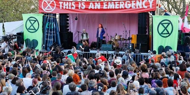 Πάνω από 800 συλλήψεις στην ομιλία της 16χρονης Τούνμπεργκ στο Λονδίνο