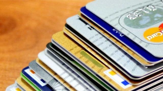 600.000€ η λεία απατεώνα που έκλεβε κωδικούς προπληρωμένων καρτών