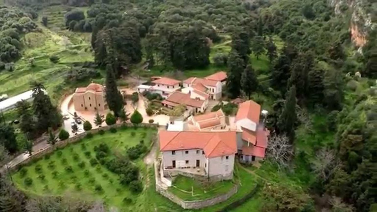 Πυρκαγιά κοντά σε ιστορικό μοναστήρι στο Ηράκλειο: Σε εξέλιξη πυροσβεστική επιχείρηση