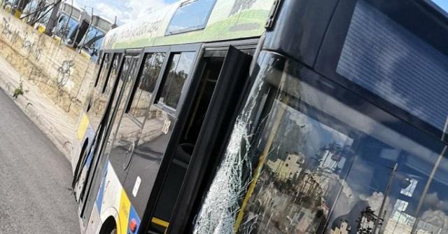 «Τρελό» λεωφορείο αναστάτωσε την Αθήνα [εικόνες]