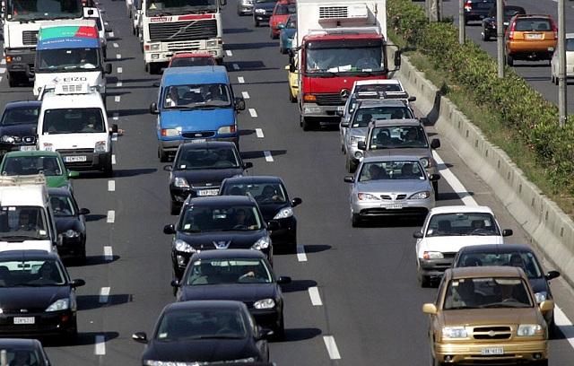 Κορυφώνεται η Πασχαλινή έξοδος: Αυξημένη κίνηση σε Εθνικές Οδούς, λιμάνια και ΚΤΕΛ