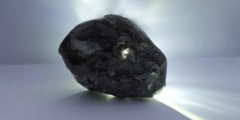 Βρέθηκε το δεύτερο μεγαλύτερο άκοπο διαμάντι στην ιστορία [εικόνες]
