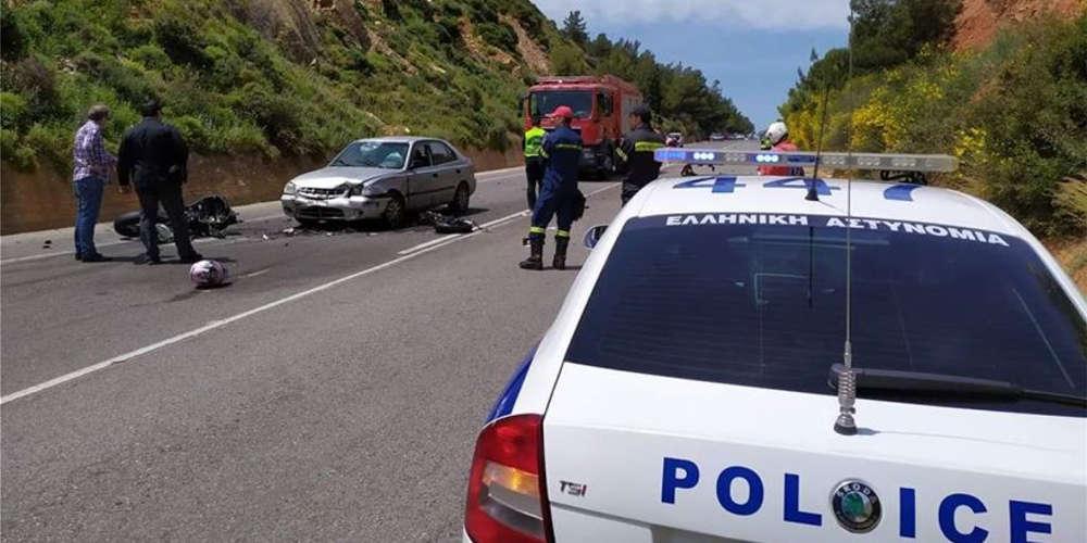 Κρήτη: Δύο άνδρες νεκροί & μία γυναίκα σοβαρά τραυματίας από τροχαίο ΙΧ με μοτοσυκλέτα
