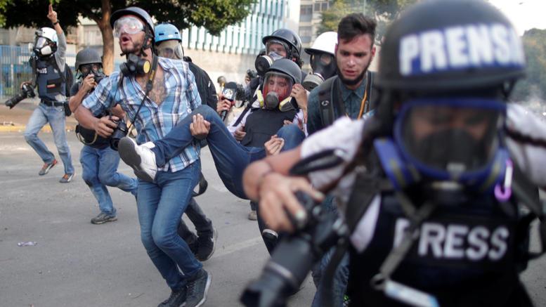 Μια 27χρονη νεκρή από σφαίρα σε διαδήλωση κατά του Μαδούρο