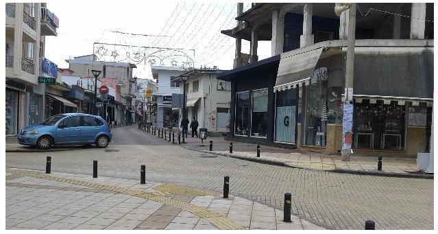 Ενδιάμεσες εκπτώσεις και στην αγορά του Αλμυρού